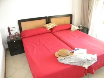 1 DORMITORIO 2 PERSONAS NOVELTY - Apartament a Salou